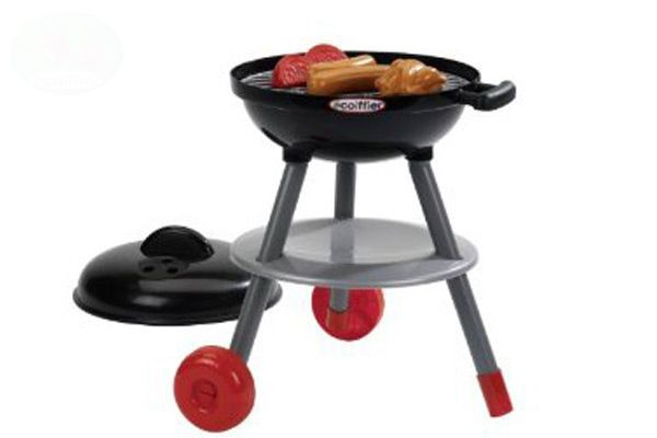 Barbecue met diverse accessoires.